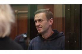 Alexei Navalnîi este suspect de Covid