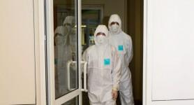 NEWS ALERT // 2.300 de angajați medicali s-au infectat cu COVID-19. Un alt medic a decedat