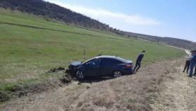 FOTO // Accident GRAV la Ungheni. Două automobile s-au tamponat din cauza unei depășiri periculoase