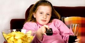 O fată din Marea Britanie a mâncat doar chipsuri și pâine timp de OPT ani. Care e motivul