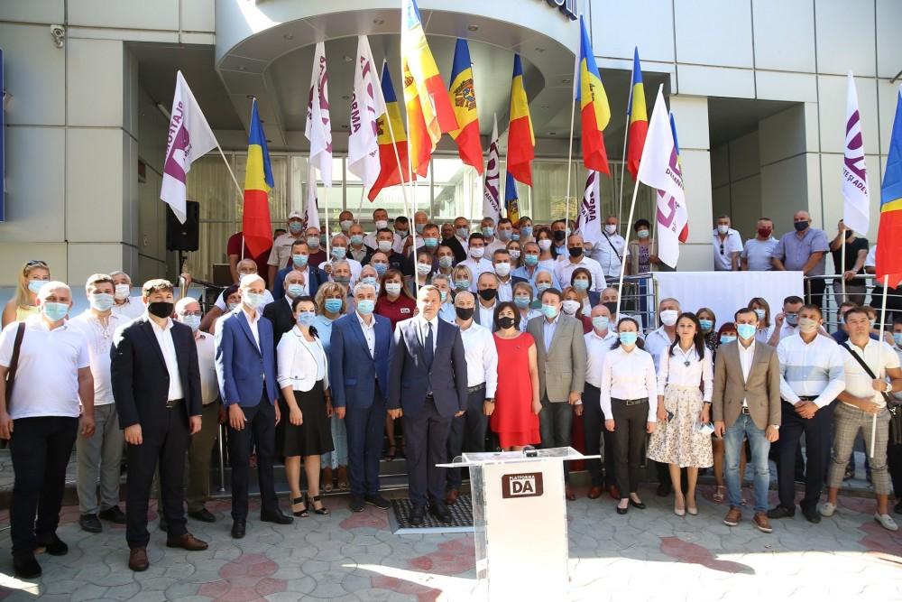 Igor Munteanu: Dodon nu a acționat niciodată ca președinte de stat, este un președinte imoral și nepopular