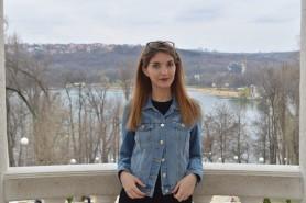 O tânără vindecată de COVID-19 povestește despre calvarul prin care a trecut