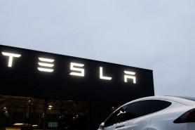 Se planifică lansarea celui mai ieftin model Tesla. Vehiculul va fi complet autonom