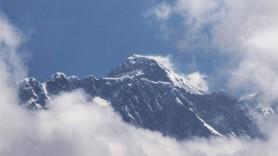 Au mințit că au urcat pe Everest iar acum au interdicția de a se apropia de munte