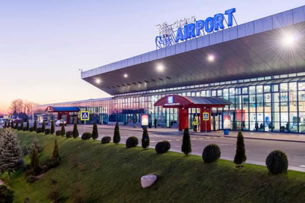 """Cum Aeroportul Chișinău s-a transformat dintr-o  """"valiză fără toartă"""" într-un """"fruct râvnit"""""""