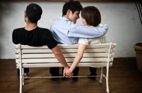 O tânără și-a băgat amantul în dormitor și apoi l-a chemat pe viitorul soț. Ce a urmat bate orice scenariu de film