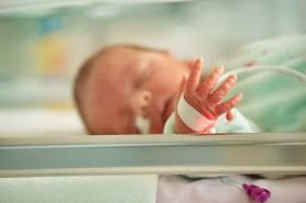 Bebeluș născut prematur depistat cu Covid-19. Mama sa a fost testată pozitiv