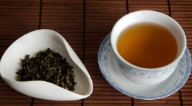 Consumul de două căni de ceai oolong pe zi poate ajuta la arderea grăsimilor în timpul somnului