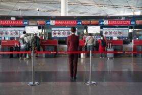 Testele anale la COVID devin OBLIGATORII pentru toți turiștii care sosesc în China