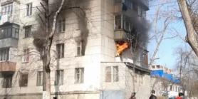 Incendiu într-un bloc de locuit din sectorul Râșcani al capitalei. La fața locului au intervenit mai multe echipaje de pompieri