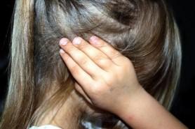 """MONSTRUL care și-a abuzat fiica de doar 12 ani deși o făcea pe """"PĂRINTELE EXEMPLAR"""" pe facebook"""