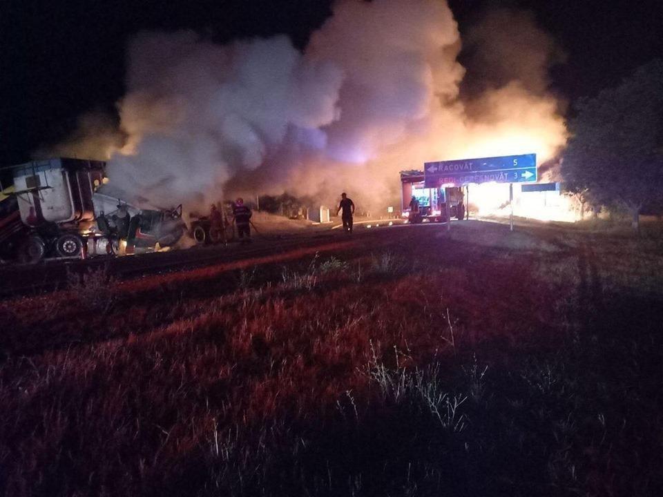 Noi detalii despre camionul incendiat la Soroca: A avut loc un accident, cel puțin o persoană a decedat