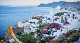 Atenție! De mâine, intri în Grecia doar cu cod de bare