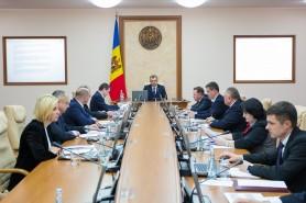 Guvernul nu are încredere în testele rusești? Cabinetul de miniștri s-a testat de Covid-19 la o clinică privată
