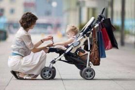"""O mămică a fost dată afară din magazin pentru că a intrat cu copilul în cărucior: """"M-am simțit înjosită"""""""
