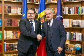 Opinie: De când reprezentantul UE, Peter Michalko, este procuror general al Moldovei?