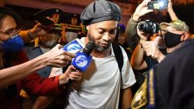 Ronaldinho a ajuns la Rio după ce a fost repus în libertate în Paraguay