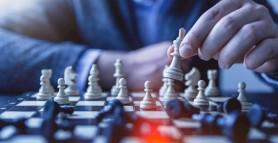 Campionul mondial la şah, Magnus Carlsen, învins de un tânăr de 16 ani