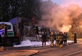 (FOTO) Un camion a ars ca o torță pe șoseaua Balcani, din municipiul Chișinău