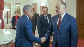 """Binomul Dodon-Plahotniuc a reînviat."" PRO Moldova obține conducerea unei comisii parlamentare"